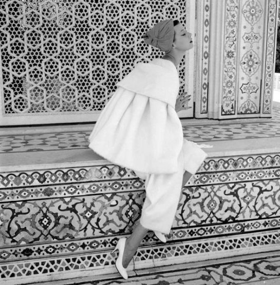 Norman Parkinson, Barbara Mullen, India, Vogue 1956